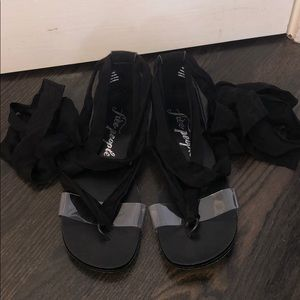 FREE PEOLE BLACK LACE UP SANDALS size 38